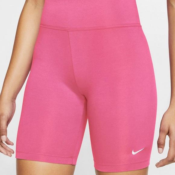 Nike x Urban Outfitters Leg-A-See Bike Short